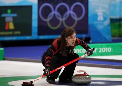 294c2c8509d83cc16bfb070fbbe1e303-getty-95658723al065_curling_women.jpg